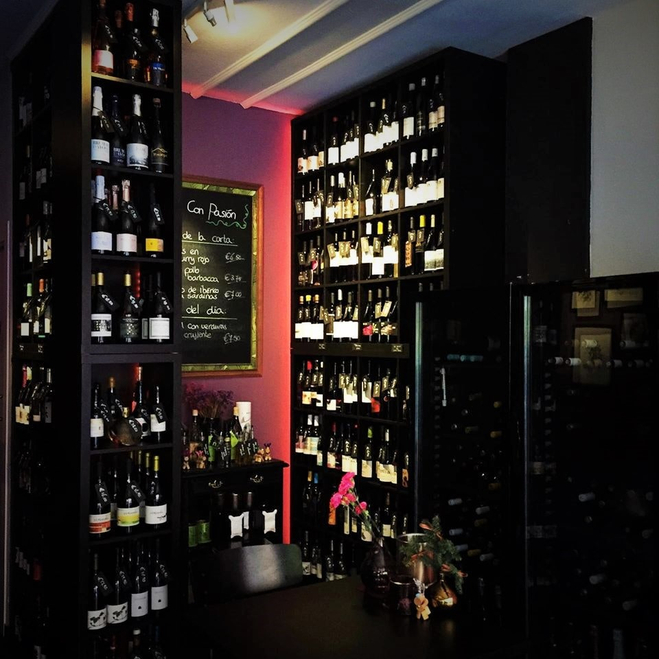 Wines & Wineshop-min